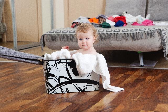 baby-on-floor