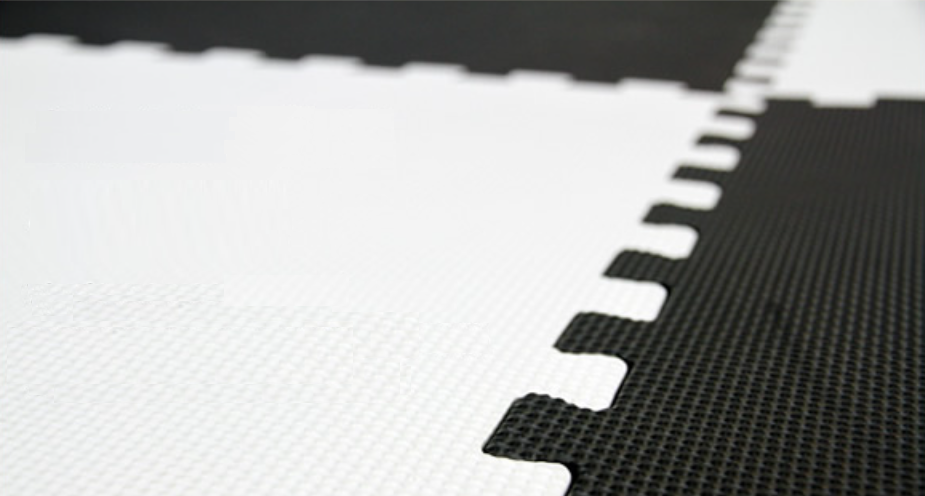 black-and-white-joint-mat